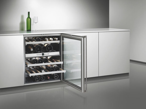 kenig gaggenau wine cooler rw404 261. Black Bedroom Furniture Sets. Home Design Ideas