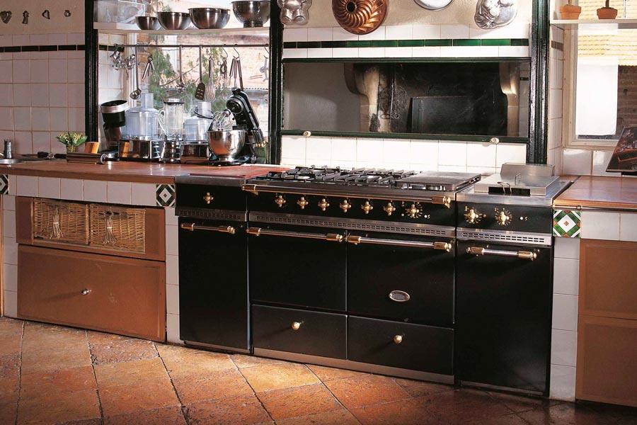 39 lacanche cluny 1800. Black Bedroom Furniture Sets. Home Design Ideas